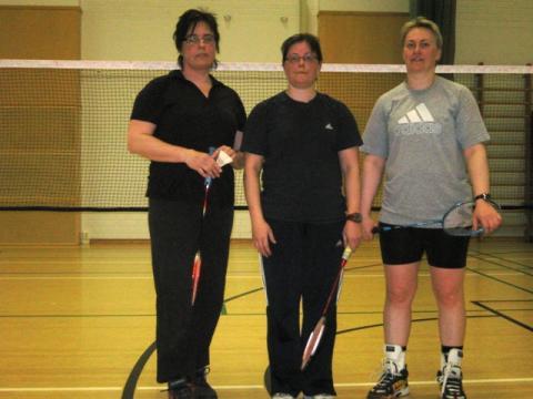 Naisten 2-pelin mitalistit (22.4.2011)